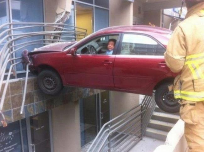 strange_car_accidents_02