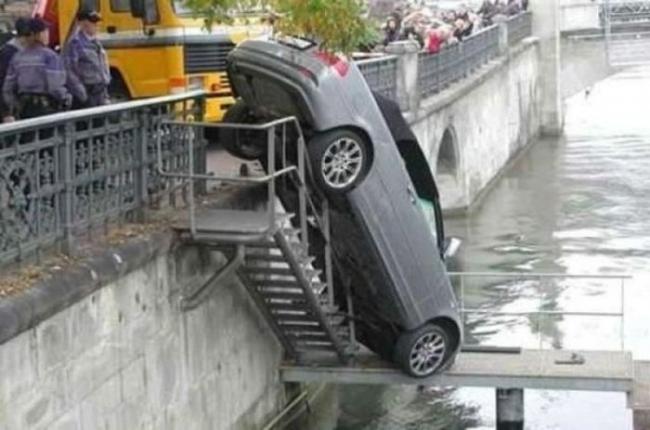 strange_car_accidents_04